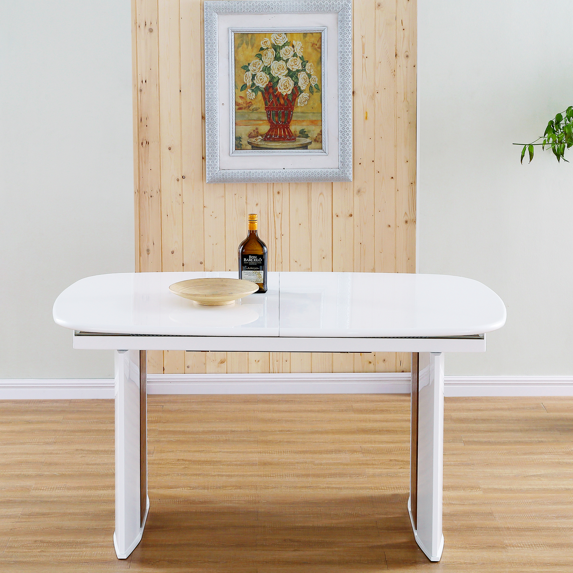 Halo white high gloss solid walnut wood hide away leaf for Solid wood round dining table with leaf